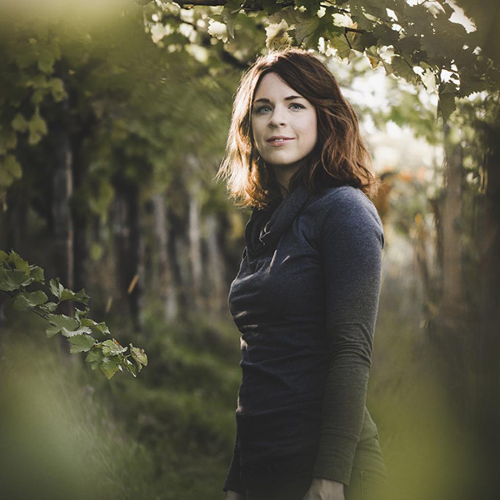 Vinodea | Weinhandlung | Winzerinnen | Katharina Tinnacher Weingut Lackner Tinnacher