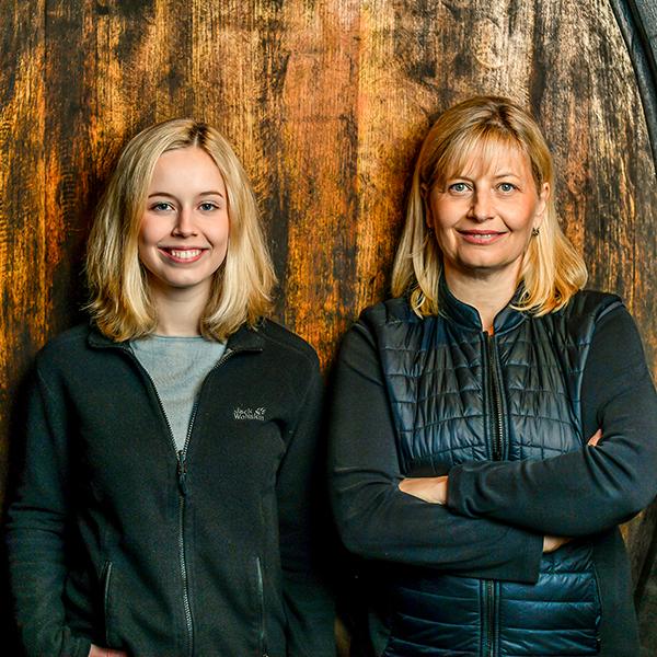 Vinodea   Weinhandlung   Winzerinnen   Birigt und Gloria Eichinger