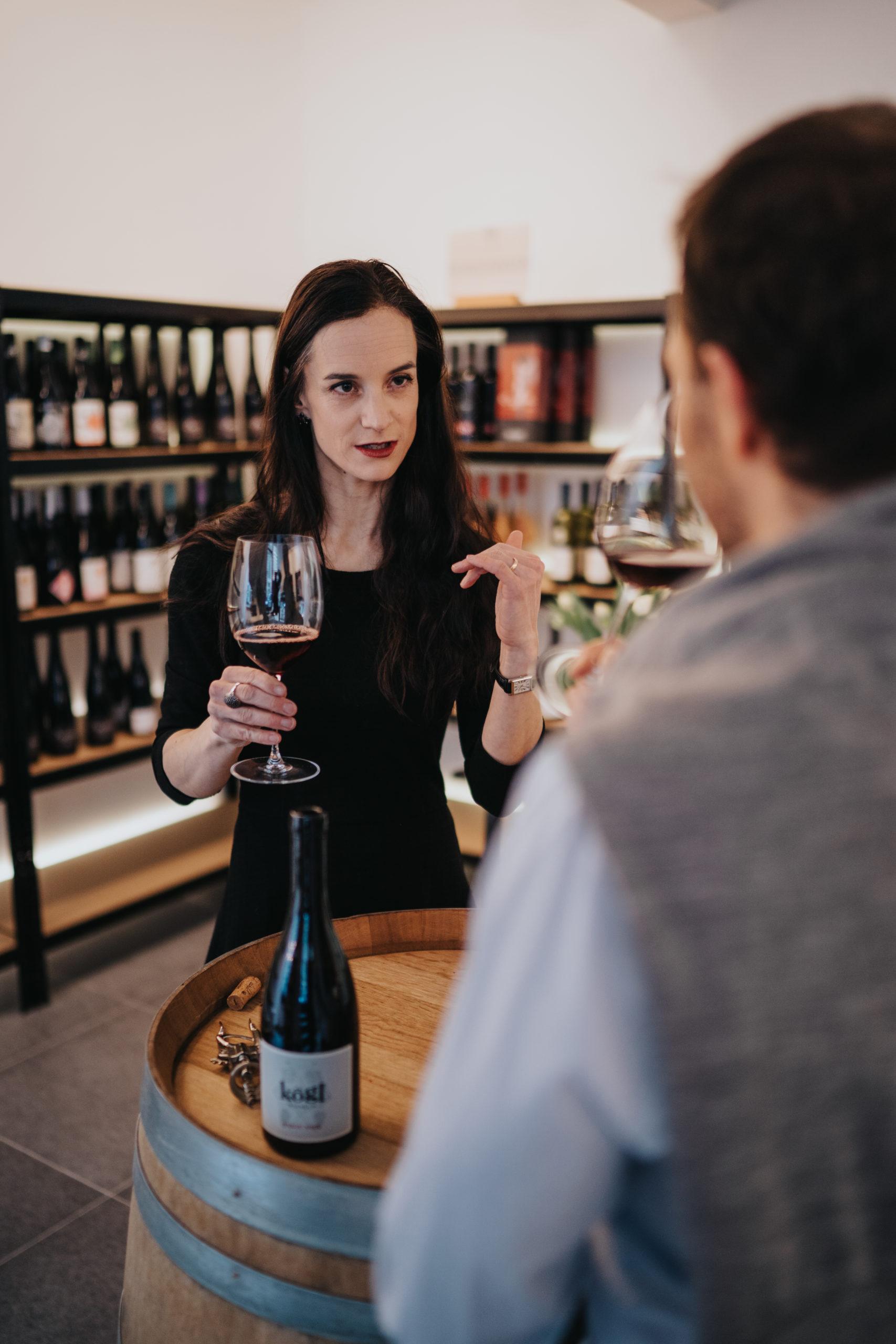 Vinodea | Weinhandlung | Weine von Winzerinnen | Madlaina Sladecek-Doscb