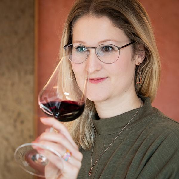 Vinodea | Weinhandlung | Weine von Winzerinnen | Michaela Riedmüller