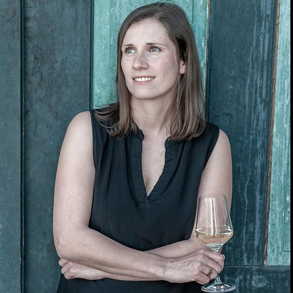Vinodea   Weinhandlung   Weine von Winzerinnen   Shop   Margit Autherith