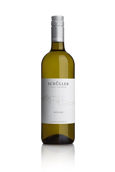 Vinodea | Weinhandlung | Weine von Winzerinnen | Shop | Weingut Schüller | Riesling
